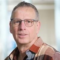 dr. LAM (Ben) van den Broek