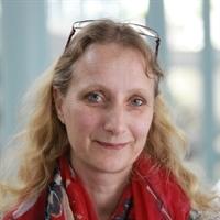 dr. MH (Monique) Vingerhoeds
