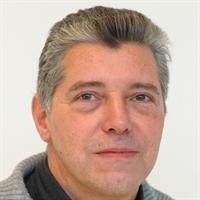 dr. R (Rob) van Treuren