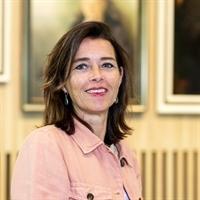 D (Denise) Spiekerman van Weezelenburg