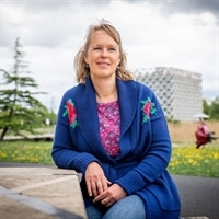 drs. AW (Adrielle) Bloemendaal