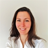 dr. MH (Mariëlle) van den Esker